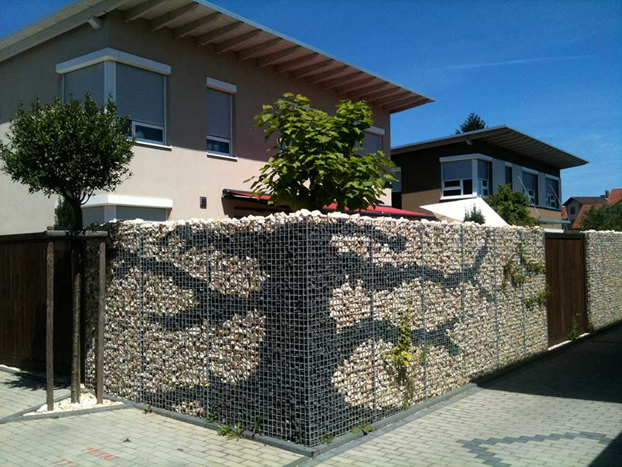 Selbstmontage gartenmauer sichtschutz zum begr nen for Gabionen gestaltung beispiel